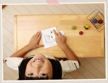 フォトパズルで楽しく遊ぶ子供